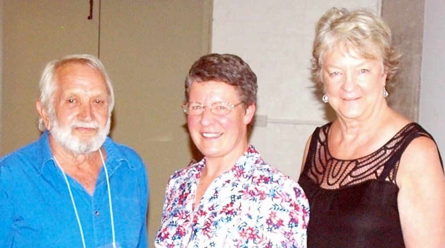 from left to right: David Carline, Queensland RM, Jocelyn Bell Burnell, Backhouse Lecturer and Maxine Cooper Presiding Clerk at YM 2013.